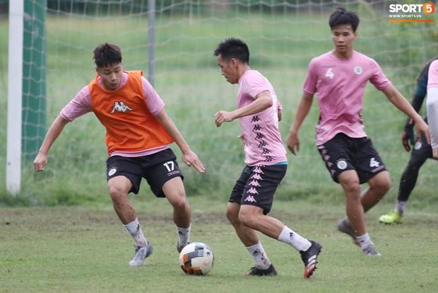 Quang Hải lập cú đúp bàn thắng trước ngày đấu Công Phượng, Bùi Tiến Dũng - Ảnh 10.