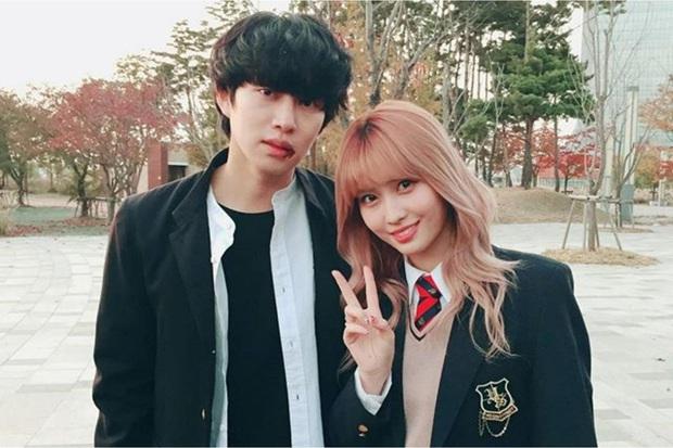 Kbiz có 4 chuyện tình sao yêu fan đời thực: Bạn trai Sooyoung và Heechul phát cuồng vì bạn gái, Yoo Jae Suk cưới luôn fan - Ảnh 9.