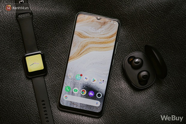 Chỉ gần 6 triệu mua được nguyên combo điện thoại, smartwatch và tai nghe không dây: Dùng thực tế thế nào? - Ảnh 1.
