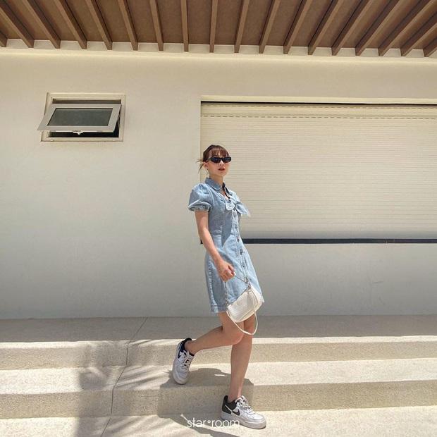 """""""Nữ hoàng sang chảnh"""" Jennie có một combo đồ xanh - trắng siêu xinh, ai cũng có thể học theo để nâng điểm style - Ảnh 8."""