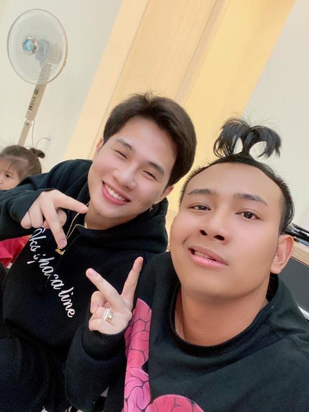 Chỉ trong 3 tháng, Thái Vũ cùng thành viên FAPtv liên tục cà khịa fandom của Sơn Tùng M-TP và BTS, đến cậu em Jack cũng không buông tha - Ảnh 12.