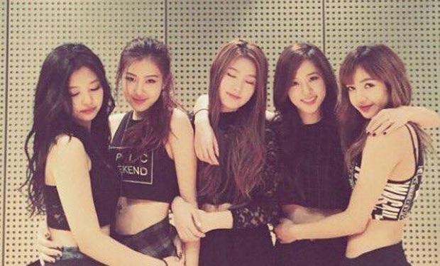 So kè nhan sắc Jisoo (BLACKPINK) và Miyeon (G)I-DLE: Lý do cả hai không thể debut trong một nhóm là đây - Ảnh 2.