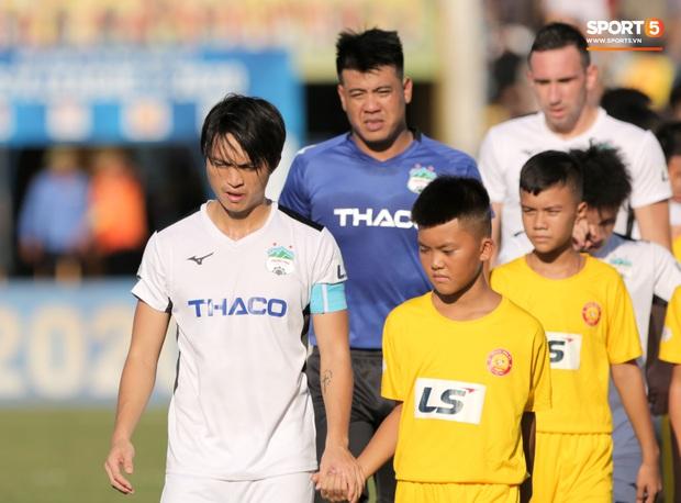 HLV Hàn Quốc có vì lo mà giấu Tuấn Anh, Xuân Trường trong ngày V.League trở lại? - Ảnh 1.