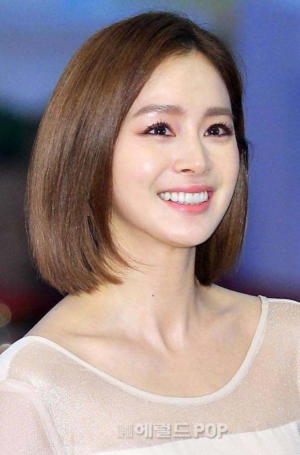Ở tuổi 40, Kim Tae Hee tái hiện kiểu tóc ngắn từng gây sốt 5 năm trước, nhan sắc nữ tổng tài khiến fan rụng rời - Ảnh 11.