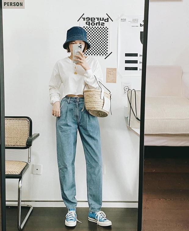 Mê quần jeans nhưng sợ phát ngốt vì nắng hè, chị em cứ nhắm trúng 4 kiểu dáng thoải mái sau mà diện - Ảnh 3.