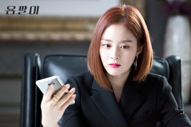 Ở tuổi 40, Kim Tae Hee tái hiện kiểu tóc ngắn từng gây sốt 5 năm trước, nhan sắc nữ tổng tài khiến fan rụng rời - Ảnh 8.