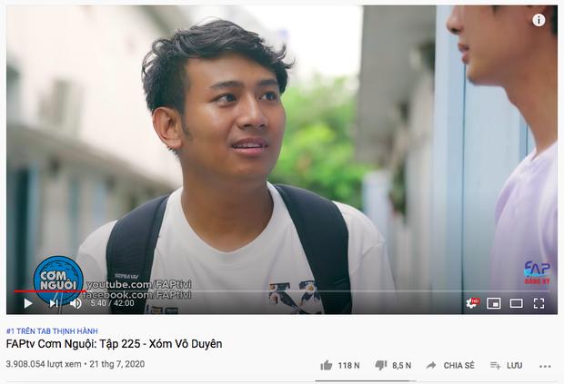 Sơn Tùng M-TP chính thức mất top 1 trending sau 19 ngày, nhường ngôi cho FAPtv vừa có thành viên lên tiếng chỉ trích cộng đồng Sky - Ảnh 2.