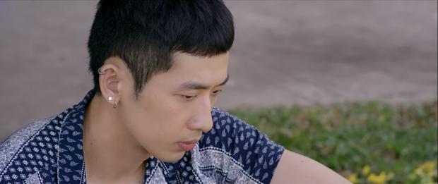 Khánh Vân cưỡng hôn Tuấn Trần ở Xin Chào Papa, nụ hôn 4 tiếng trong lời đồn đây sao? - Ảnh 1.