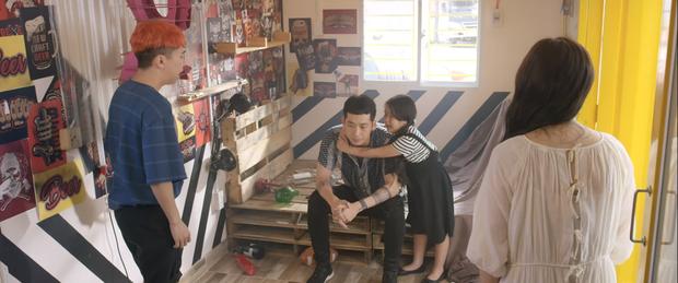 Khánh Vân cưỡng hôn Tuấn Trần ở Xin Chào Papa, nụ hôn 4 tiếng trong lời đồn đây sao? - Ảnh 5.