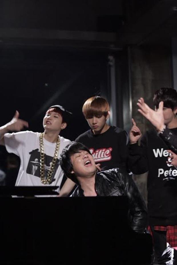 Big Hit bất ngờ đăng tải video sản phẩm kết hợp giữa BTS và Thanh Bùi từ 6 năm trước nhưng khi truy cập lại... không khả dụng? - Ảnh 4.