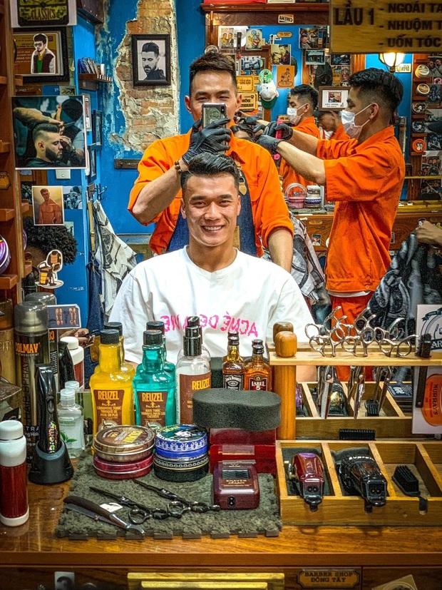 """Những pha """"biến hình"""" cắt tóc nam chứng minh hội con trai tóc tai cứ chuẩn là bảnh hết nút  - Ảnh 18."""