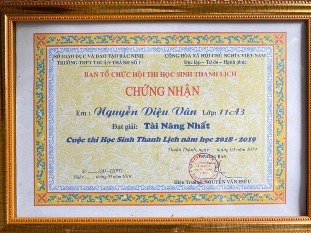 Nữ sinh Bắc Ninh sinh năm 2002 đón xe buýt lên Hà Nội luyện thi mỗi ngày, nhận được học bổng 5,7 tỷ - Ảnh 6.