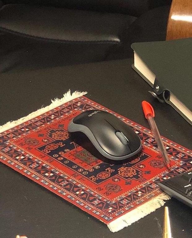 Những thiết kế xấu mù như con chuột chù tới từ các designer chuẩn bị được về hưu sớm - Ảnh 14.