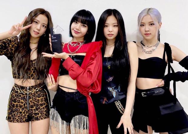 BLACKPINK vượt TWICE và Red Velvet trở thành nhóm nữ ẵm nhiều cúp âm nhạc nhất 2020, phá luôn kỷ lục của chính mình trước đó - Ảnh 2.