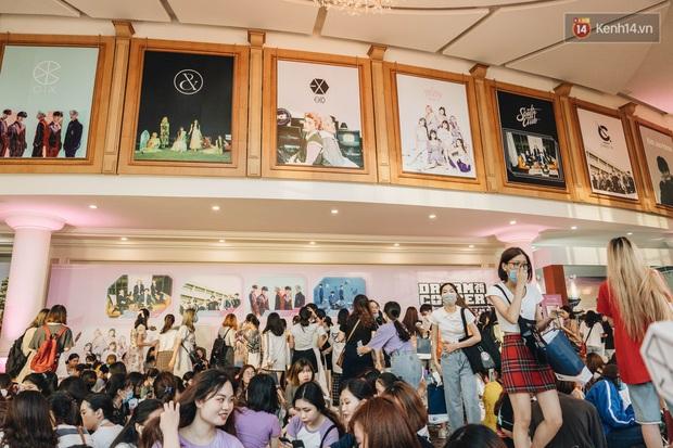Hàng trăm fan tại Hà Nội cùng xem Dream Concert phát sóng trực tuyến trên toàn cầu; EXO-SC, Red Velvet và dàn sao Kpop quẩy hết nấc - Ảnh 17.