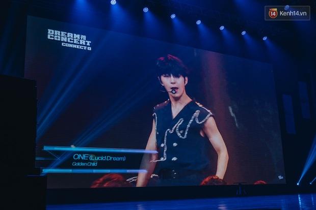 Hàng trăm fan tại Hà Nội cùng xem Dream Concert phát sóng trực tuyến trên toàn cầu; EXO-SC, Red Velvet và dàn sao Kpop quẩy hết nấc - Ảnh 3.