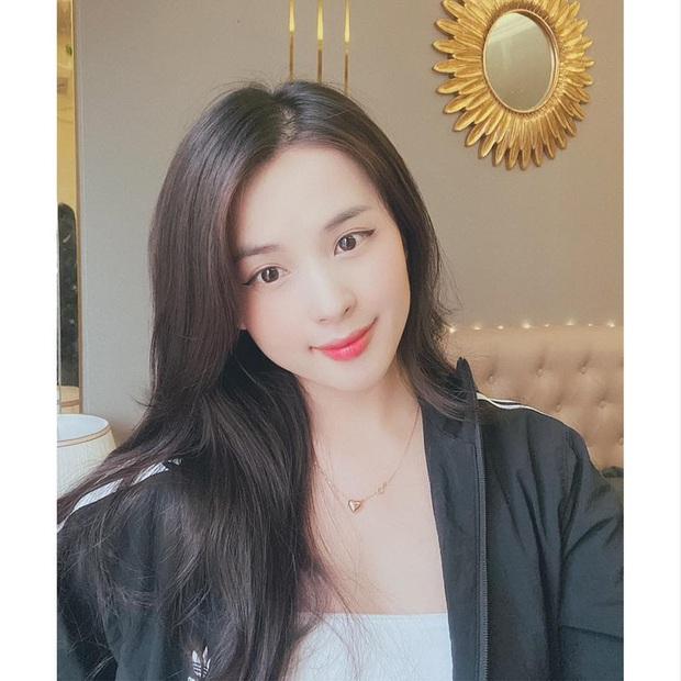 Nữ streamer Thảo Nari khoe tâm hồn gợi cảm ngay trên sóng, fan nổ comments ngất ngây! - Ảnh 2.