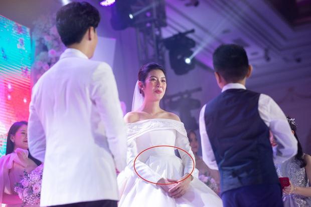 HOT: Thuý Vân chính thức xác nhận mang thai con đầu lòng ngay tại đám cưới, còn tiết lộ luôn giới tính em bé - Ảnh 3.