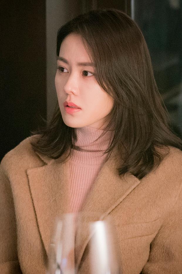 """""""Chị đẹp"""" Son Ye Jin đã U40 nhưng vẫn liên tục gây bão vì nhan sắc tươi trẻ, chẳng kém gái đôi mươi, bí quyết khỏe đẹp của cô vừa đơn giản lại rẻ bèo - Ảnh 4."""