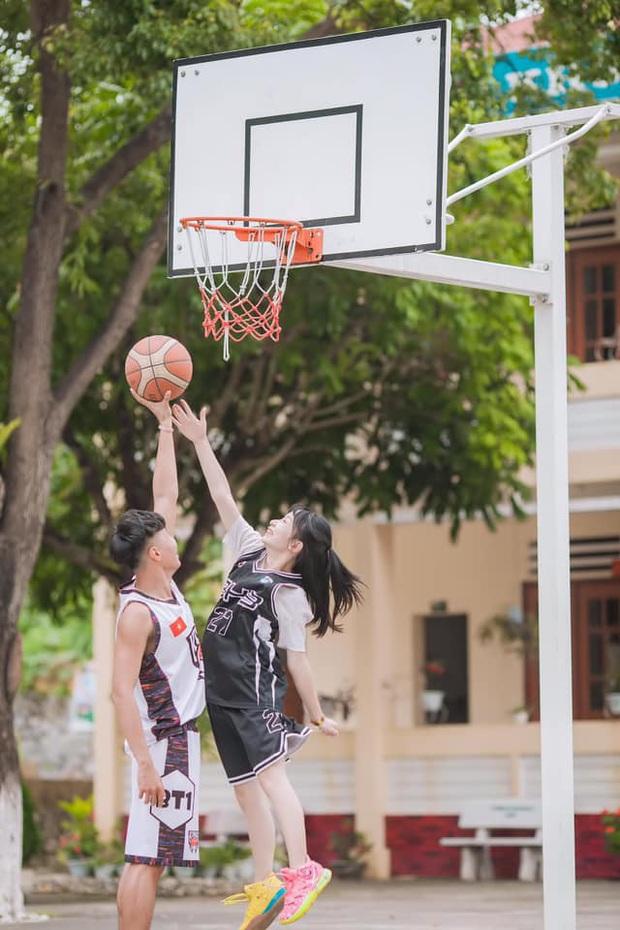 Chàng 1m8 - nàng 1m5 nên duyên ở sân bóng rổ, từng là đối thủ rồi mê nhau lúc nào không hay - Ảnh 7.