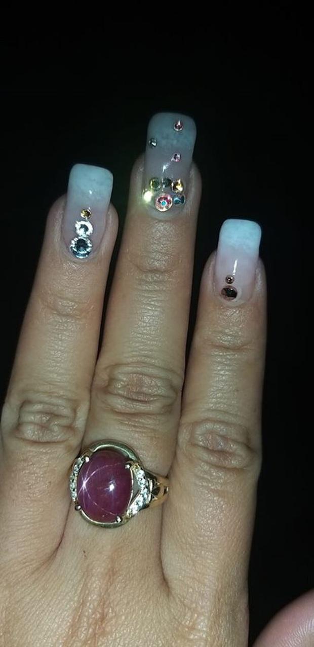 Không phải mua hàng qua mạng hay cắt tóc, làm nail mới là trải nghiệm dễ toang nhất đối với con gái - Ảnh 5.