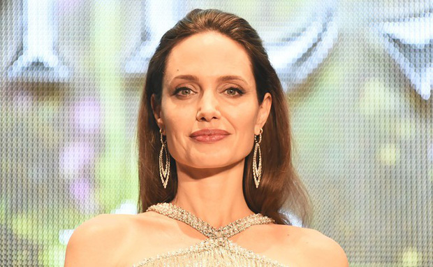 Bản sao lỗi của Angelina Jolie từng nổi đình đám MXH hiện đang sống chật vật, tình trạng sức khỏe nguy kịch vì nhiễm Covid-19 - Ảnh 2.