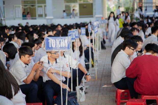 TP.HCM công bố điểm thi tuyển sinh vào lớp 10 năm 2020: Hơn 500 điểm 10 - Ảnh 1.