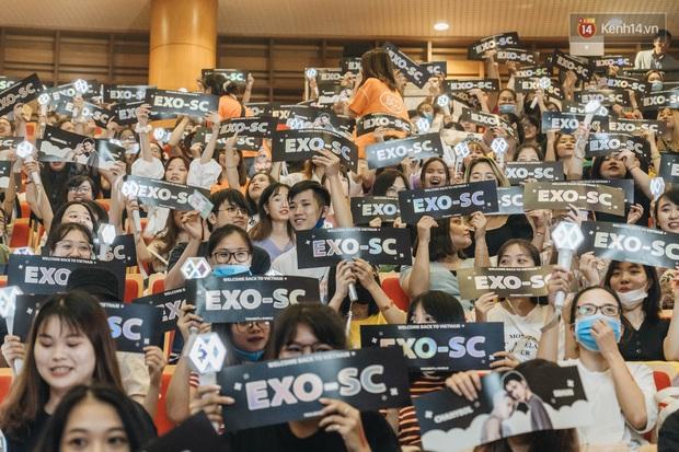 Hàng trăm fan tại Hà Nội cùng xem Dream Concert phát sóng trực tuyến trên toàn cầu; EXO-SC, Red Velvet và dàn sao Kpop quẩy hết nấc - Ảnh 15.