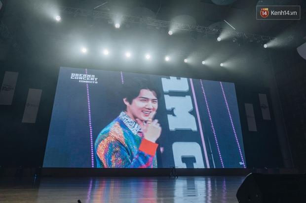 Hàng trăm fan tại Hà Nội cùng xem Dream Concert phát sóng trực tuyến trên toàn cầu; EXO-SC, Red Velvet và dàn sao Kpop quẩy hết nấc - Ảnh 13.
