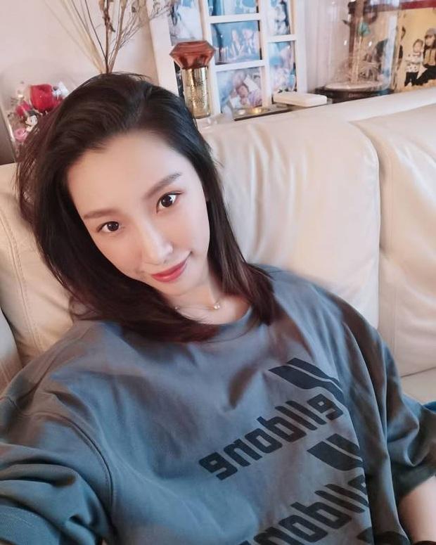 Tiết lộ hình ảnh tiểu tam 2K hot nhất Hong Kong: Sắc vóc chẳng thua kém gì bà cả, cậu ấm trùm sòng bạc mê mệt - Ảnh 7.