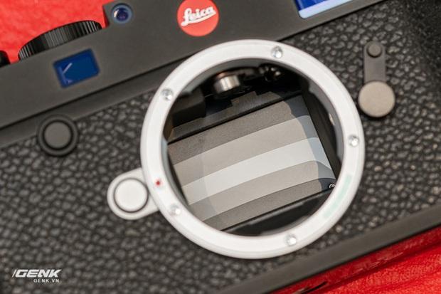 Đập hộp máy ảnh Leica M10-R: Vẫn là nét lạnh lùng hấp dẫn, cảm biến 40 MP, giá 219 triệu đồng - Ảnh 10.