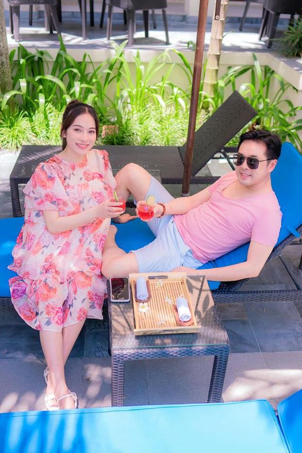 Đang bầu sắp sinh, bà xã Dương Khắc Linh có phản ứng gây chú ý khi liên tục nhận tin nhắn cưa cẩm - Ảnh 7.