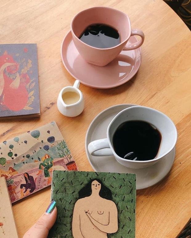 Dành cho team mê sưu tập ly nước, tách uống trà đẹp độc: Style hiện đại có, đậm chất vintage cũng không thiếu - Ảnh 3.