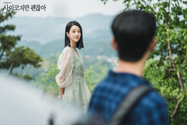 Tưởng khó mà học được style của Seo Ye Ji nhưng cô ngày càng có nhiều outfit thực tế để chị em dễ đu theo - Ảnh 7.