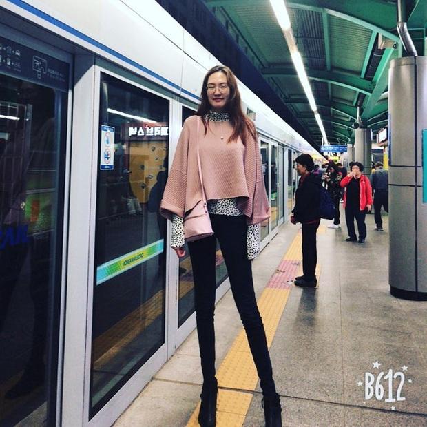 Cô gái có đôi chân dài nhất thế giới: Lùng sục khắp nơi mới mua được quần áo nhưng vẫn thích đi giày cao gót để khoe chân dài miên man - Ảnh 9.