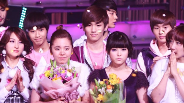 5 vụ biến mất bí ẩn nhất Kbiz: Idol hạng A dính bê bối bán dâm, kì bí nhất là đối thủ của IU mất tích ngay sau sân khấu debut - Ảnh 3.