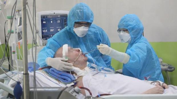 Trải lòng của bệnh nhân phi công Anh trên BBC: Tôi là minh chứng sống cho thấy những gì con virus ấy có thể làm, và nó nguy hiểm ra sao - Ảnh 4.