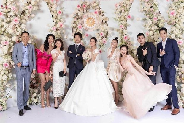 Hoàng Thuỳ gây tranh cãi khi mặc váy hồng chói chang dự đám cưới, cô dâu Thuý Vân phản ứng ra sao? - Ảnh 5.