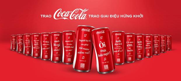 """Coca-Cola 1 lần nữa khiến giới trẻ """"sôi sục"""" với bộ lon """"Trao giai điệu hứng khởi"""" - Ảnh 1."""
