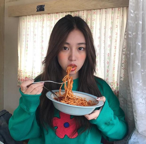 Bái phục khả năng ăn chậm, nhai kỹ của sao Hàn lẫn sao Trung: nhai 1 miếng thức ăn tới gần trăm lần để siết cân giữ dáng - Ảnh 5.