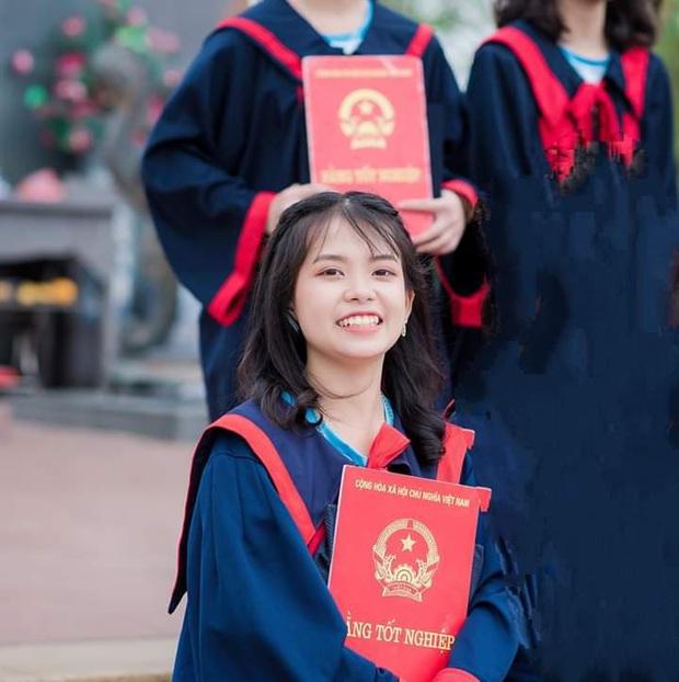Bố mất sớm, thương mẹ gánh trên vai nỗi lo cơm áo, nữ sinh 2K1 được tuyển thẳng ĐH Bách Khoa Hà Nội, nhận học bổng 100% - Ảnh 1.