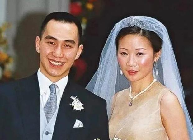 4 nàng dâu gia tộc trùm sòng bạc Macau: Dâu trưởng khắc phu đến ám ảnh, Ming Xi thị phi, Lọ Lem đời thực không trụ được - Ảnh 12.