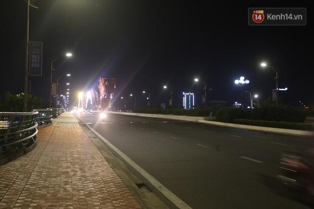 Đà Nẵng sau 0h ngày 28/7: Chính thức cách ly xã hội tại 6 quận, phong toả các tuyến đường quanh 3 bệnh viện - Ảnh 9.