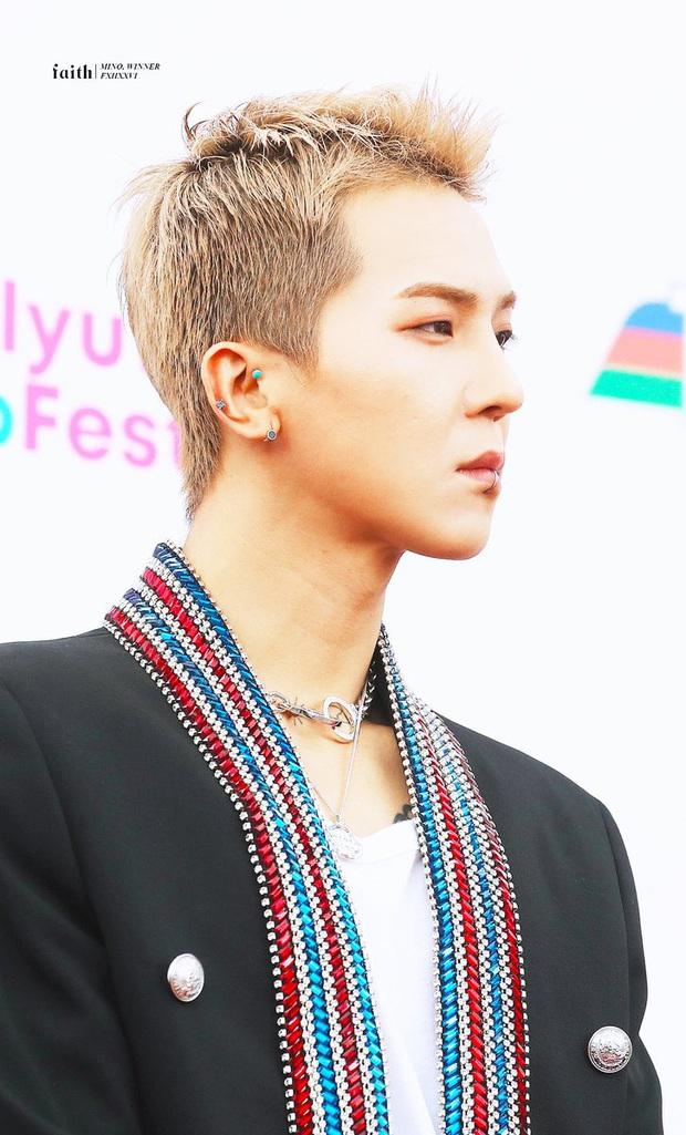 Fan của Mino (WINNER) thuê xe tải biểu tình uy hiếp YG, ai ngờ làm dân mạng Hàn… xấu hổ thay cho idol vì là rapper nhưng bị đòi nhảy khó? - Ảnh 6.