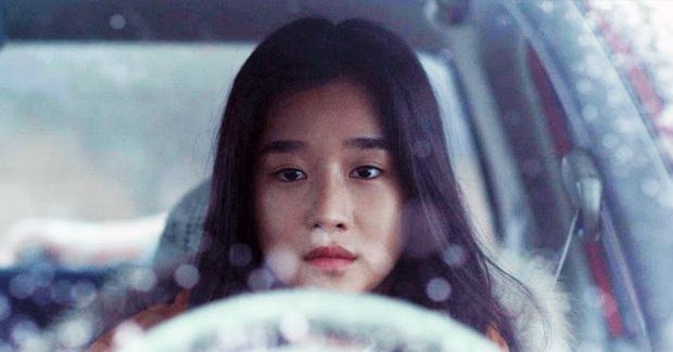 Chẳng đợi tới 2020 mới khoe máu điên, Seo Ye Ji còn thí mạng khi lái xe ngược chiều và tự sát bằng khí than trên phim trường - Ảnh 3.