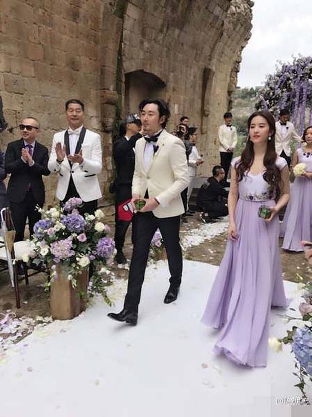 Thần tiên tỷ tỷ Lưu Diệc Phi rất ít khi làm phù dâu đám cưới, xem ảnh xong mới vỡ lẽ ra nguyên nhân vì sao - Ảnh 6.