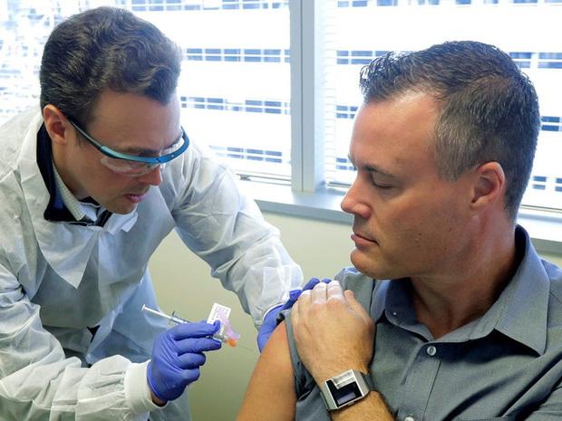 Vắc-xin COVID-19 triển vọng nhất của Mỹ thử nghiệm giai đoạn cuối trên 30.000 người, tất cả người được tiêm trong giai đoạn 1 đều miễn dịch - Ảnh 4.
