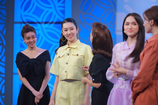 Hương Giang khẳng định hợp với đàn ông từng có vợ và con riêng, Lan Ngọc thừa nhận thích ca sĩ - Ảnh 1.