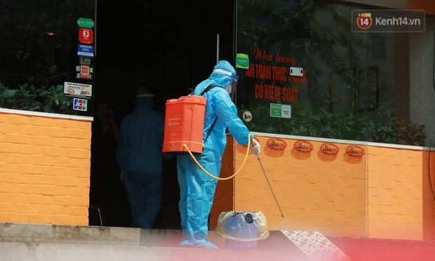 Phong tỏa quán pizza có ca nghi mắc Covid-19 ở Hà Nội - Ảnh 4.