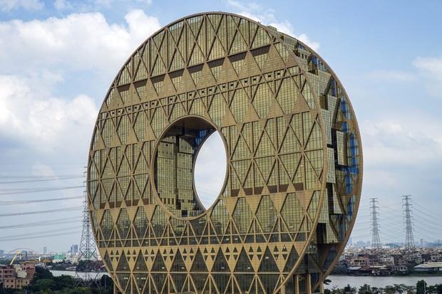 Ghé thăm Hà Bắc - nơi các tòa nhà xấu nhất Trung Quốc tụ tập và đua nhau khoe sắc mỗi ngày - Ảnh 3.